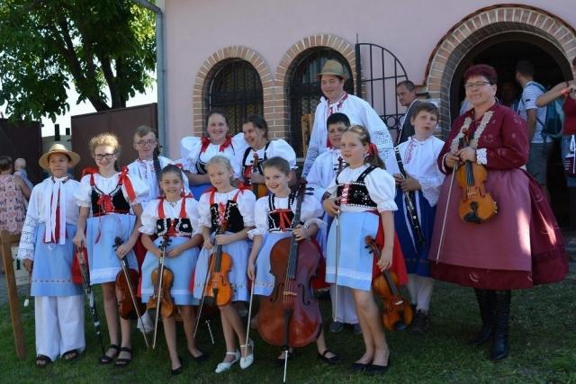 Cimbálová muzika z Lužic, z. s.